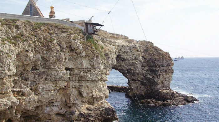 Фото арки на Малом Атлеше мыса Тарханкут (Крым)