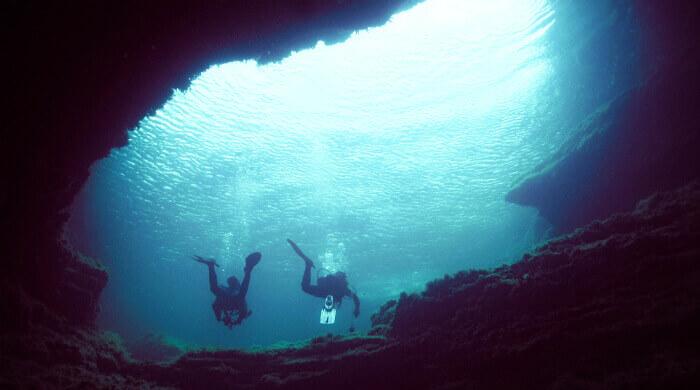 Чаша Любви на Тарханкуте (Крым). Фото из-под воды