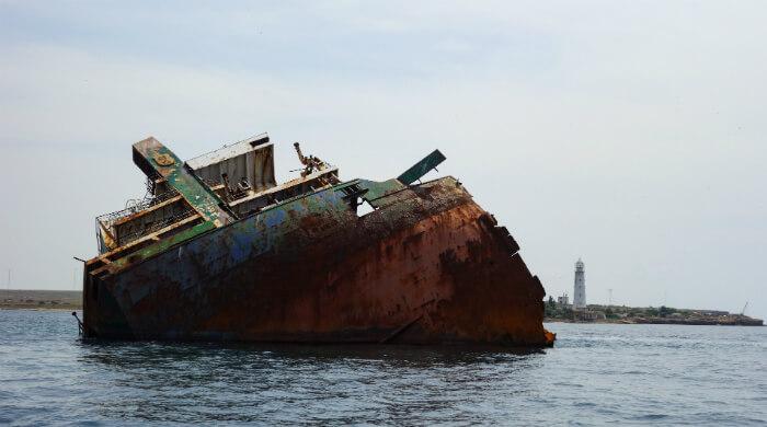 Фото транспорта Ибрагим-Яким, затонувшего у берегов Тарханкута